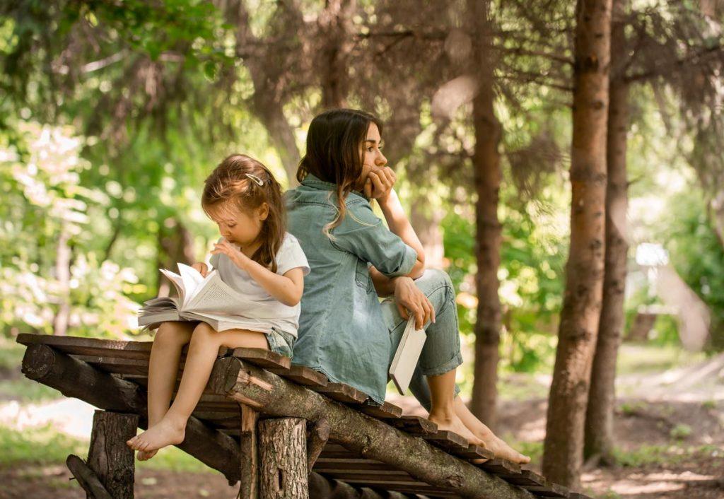 bambini libro natura aperto